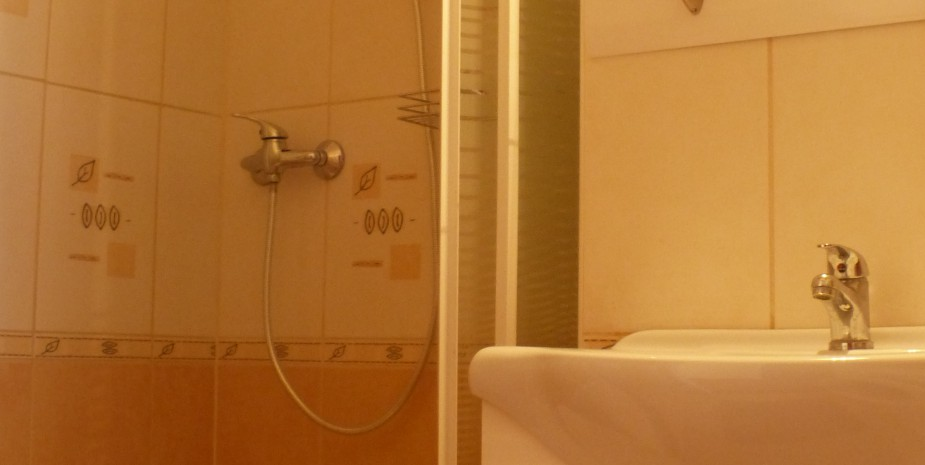 Bathroom - Oktogon apartment Budapest