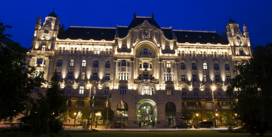 Europe, Hungary, Budapest, Pest, the palace belonged to the Gresham insurance company which built in 1847 the present building designed by Zsigmond Quittner in 1906.